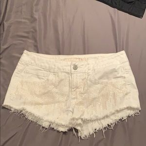 American eagle size 8 white sequence shorts